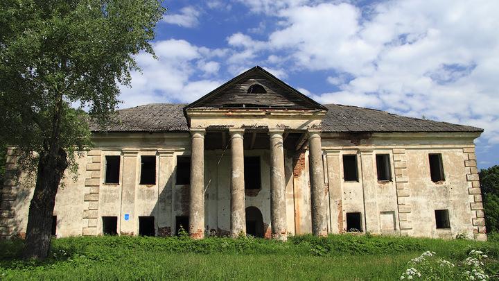 Старинное дворянское гнездо в Беларуси выставили на продажу