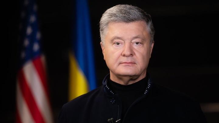 Порошенко нанёс новый удар по украинцам: В Раде потребовали запретить Спутник V