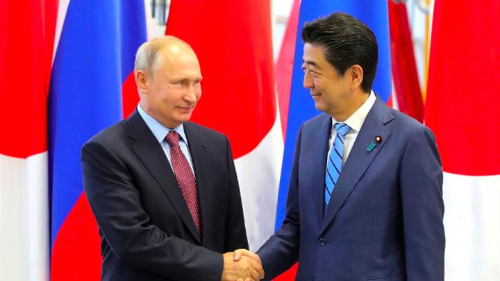 «Продолжим диалог на G20»: Путин анонсировал новую встречу с Синдзо Абэ