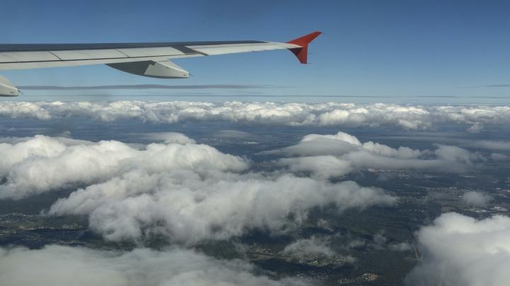 В самолет Стамбул - Казань ударила молния