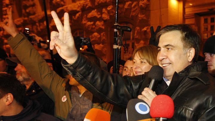 Саакашвили с порошком: Зачинщика михомайдана заподозрили в наркозависимости