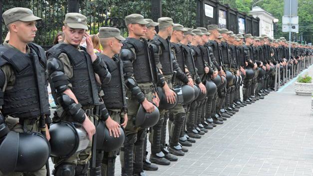 Афганцы, чернобыльцы и шахтеры единым фронтом пошли на штурм Рады