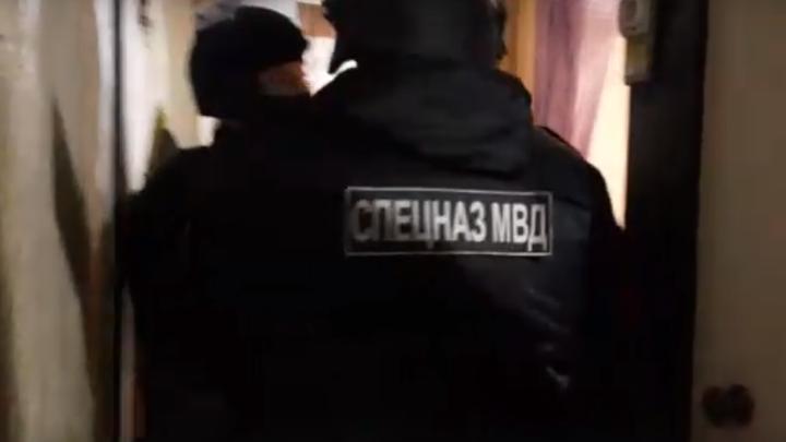 В Иванове спецназ задержал подозреваемого в избиении водителя КАМАЗа бейсбольной битой