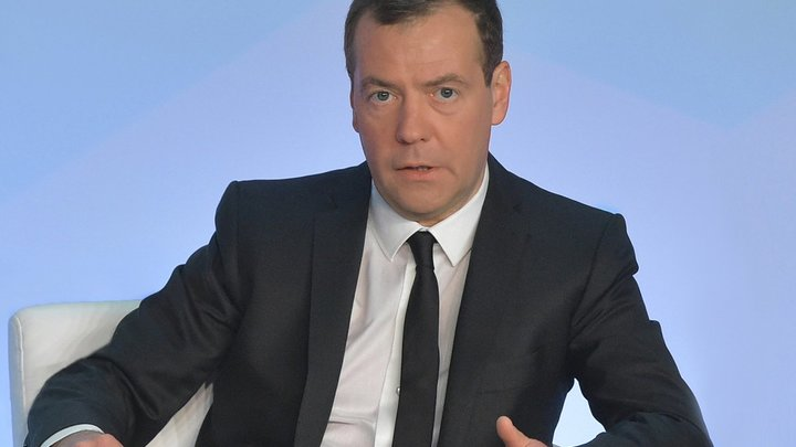 Депутатов Госдумы не допустят к формированию правительства: Медведев культурно отказал главе парламента