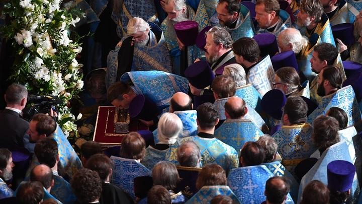 Более 200 тысяч верующих пришли поклониться мощам святителя Спиридона Тримифунтского в Москве