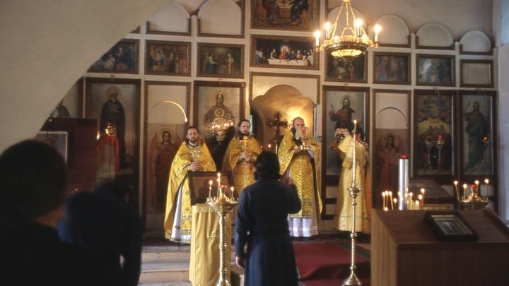 Фантастические цифры: Названы реальные зарплаты православных священников