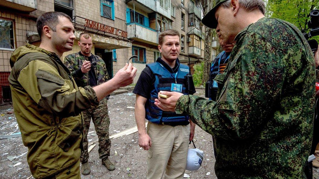 Украинские каратели обстреляли позиции ДНР танковыми снарядами