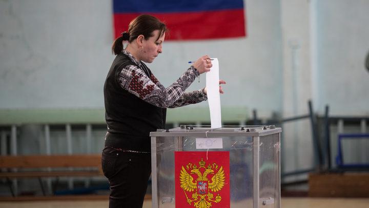 Первое нарушение на выборах - вброс в Москве - видео