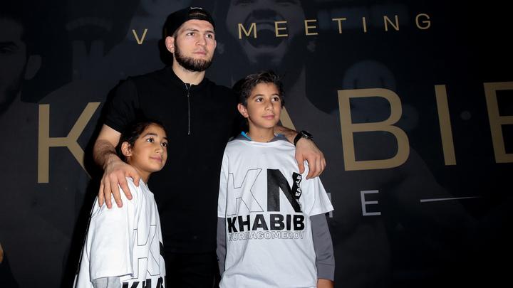 Мы напугали его: Американский Эль Кукуй назвал Хабиба трусом и требует отобрать у него чемпионский титул