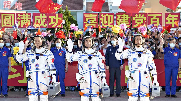 Китай обгоняет Россию в космосе. У него есть суверенная космическая станция