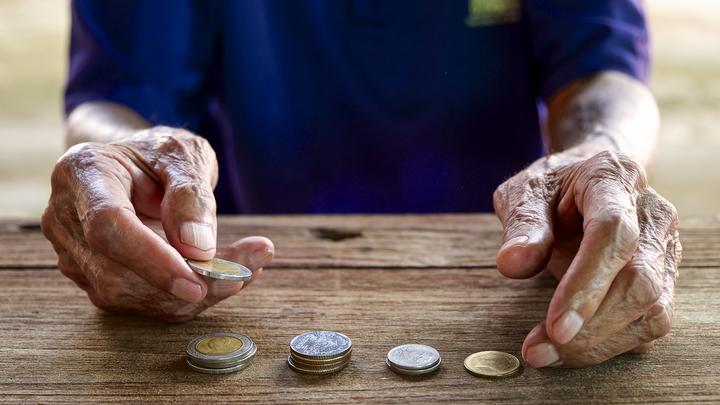 Кредит на тепло: Сельчане вынуждены топить печи в долг