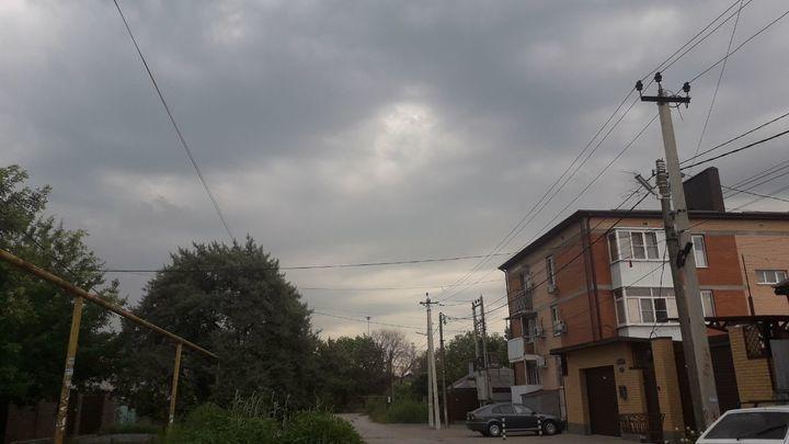 В Ростове-на-Дону из-за резкого усиления ветра объявлено штормовое предупреждение