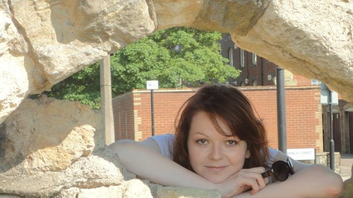 Любит - не любит: Юлия Скрипаль размышляет о том, начать ли ей встречаться с российским консулом