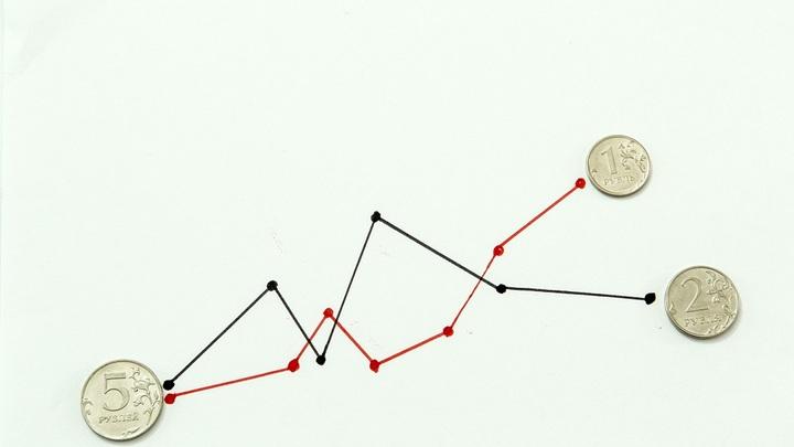 Плохой месяц для рубля? Эксперты оценили угрозу санкционной войны в августе
