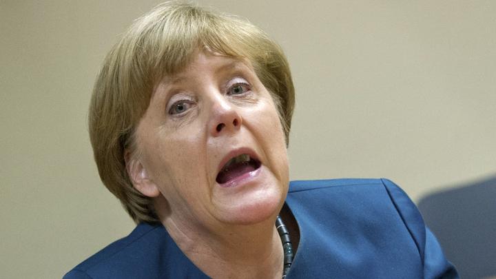 Меркель предлагает России сдаться