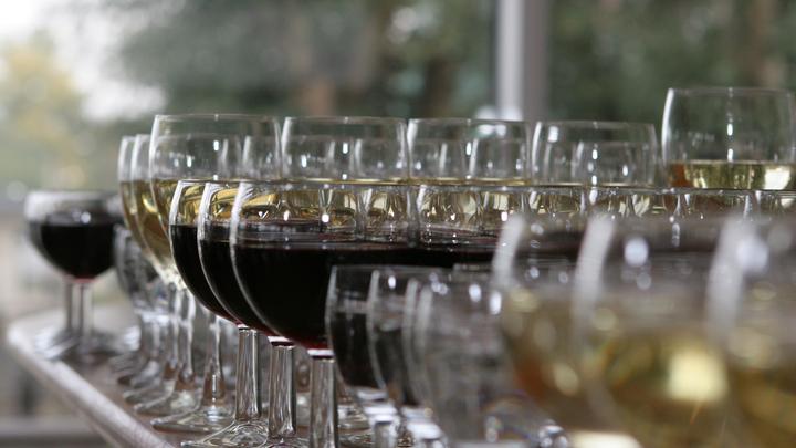 Минздрав разработал план по борьбе с алкоголизацией самого пьющего региона России