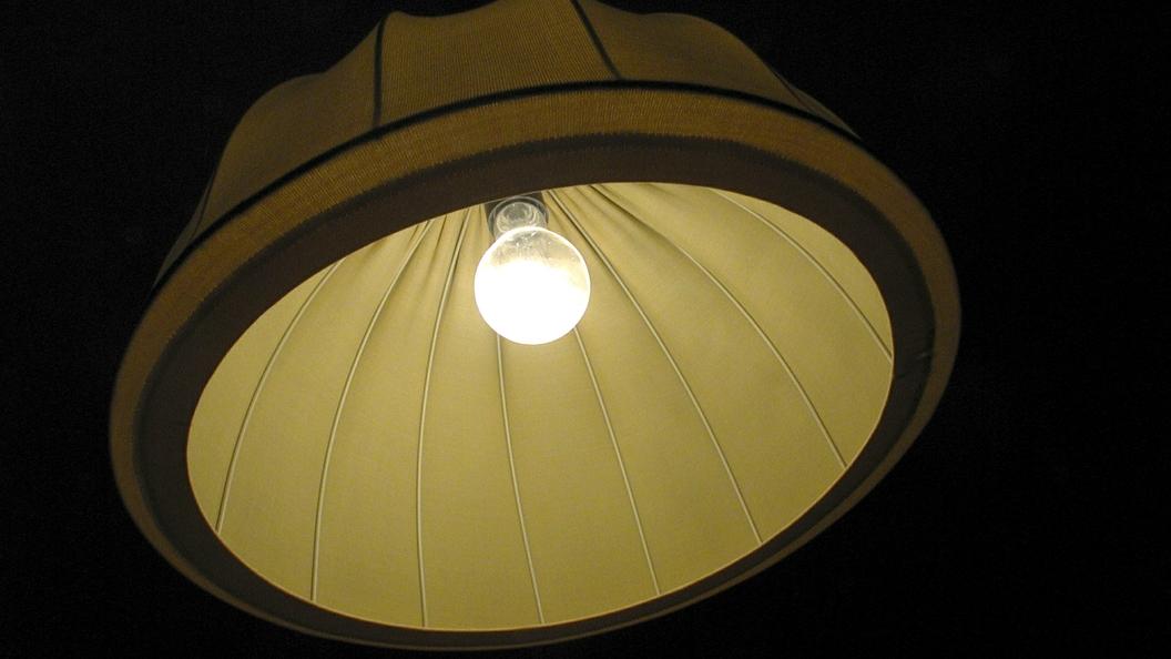 Неэнергосберегающие лампы мощностью выше 50 Вт могут исчезнуть в России