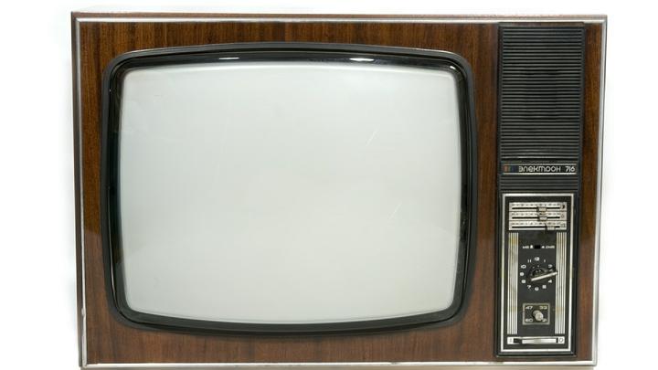 Просил трость - подарили телевизор: Слепой о подарке чиновников Сахалина