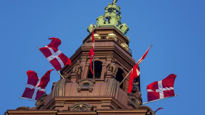 Не все спокойно: Принц Дании оказался слабоумным