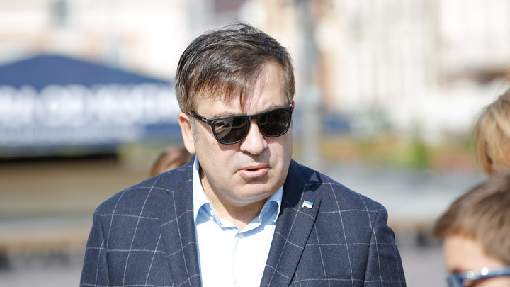 Саакашвили сдался и подписал протокол о незаконном въезде на Украину