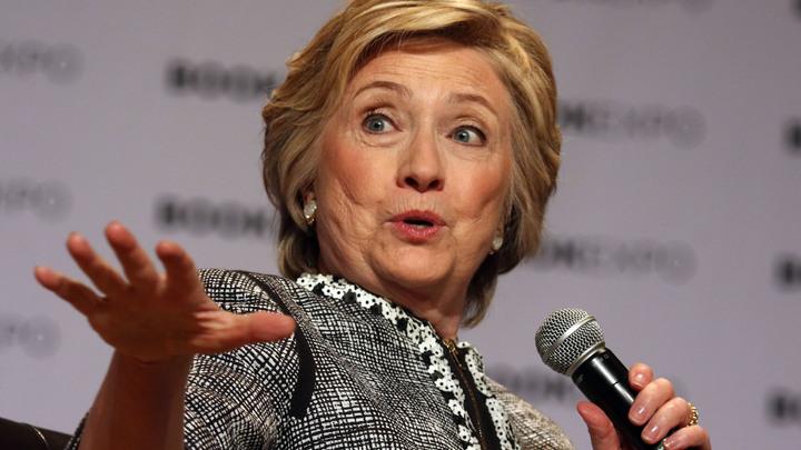 Клинтон устроила политическую истерию после проигрыша на выборах - Совфед