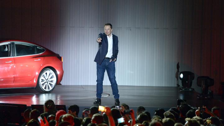 Илон Маск посоветовал лично посетить презентацию электрогрузовика Tesla