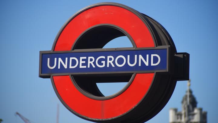Очевидцы: после взрыва в лондонском метро начались паника и давка