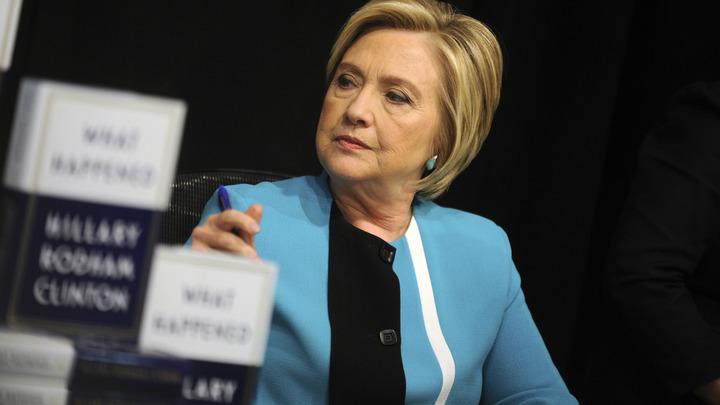 Клинтон не потеряла надежды оспорить победу Трампа