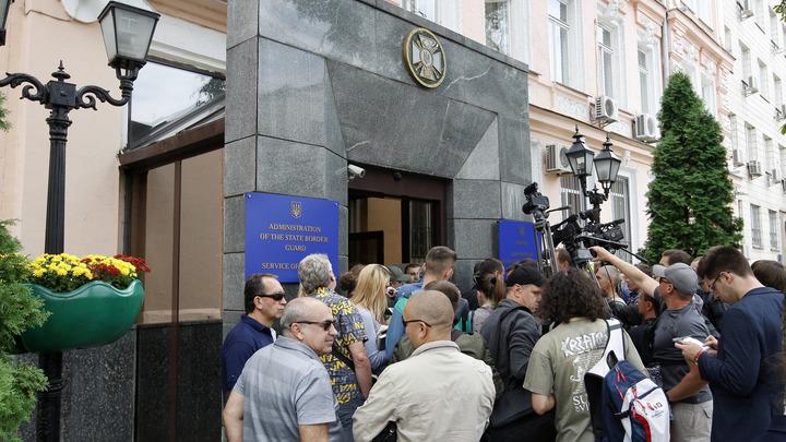 Беспорядки в Одессе: горожане продолжают требовать отставки мэра