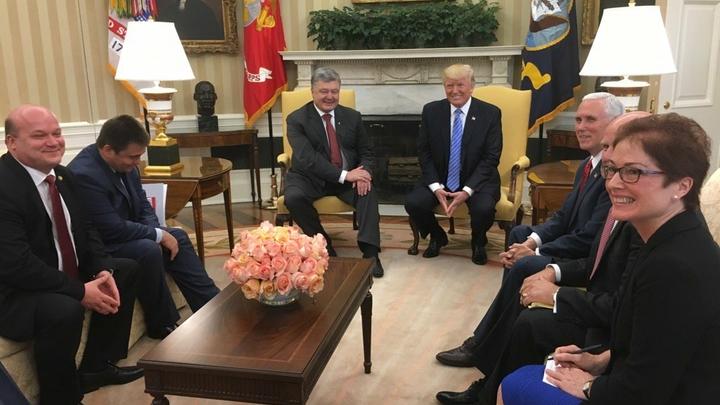 Белый дом отделался общими фразами о встрече Трампа и Порошенко
