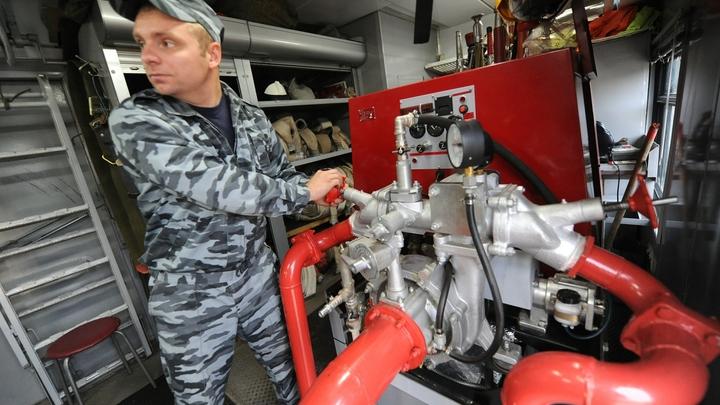 Кадры пожара на фармацевтическом заводе под Киевом попали в сеть