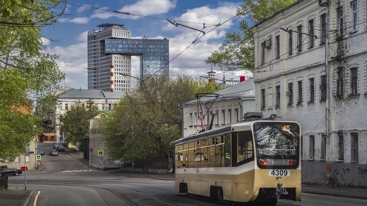 Только на авто и на такси: граждане России пренебрегают общественным транспортом