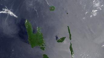 Жители Вануату массово переселяются с острова из-за вулкана