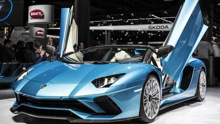 Lamborghini покажет 6 ноября суперкар будущего с гибридной установкой