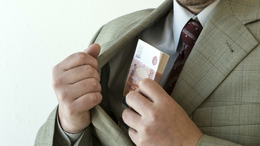 Юристы Виктора Захарченко пожаловались вГенпрокуратуру наволокиту
