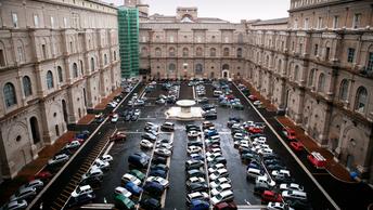 На территории Ватикана будет прекращена продажа сигарет