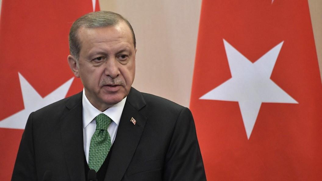 Эрдоган порекомендовал РФ иСША вывести войска изСирии