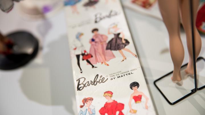 Барби в хиджабе: Стартовали продажи американской куклы в исламской одежде