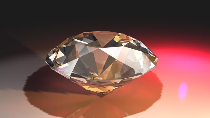 Один из крупнейших в мире бриллиантов продали на аукционе за 34 млн долларов