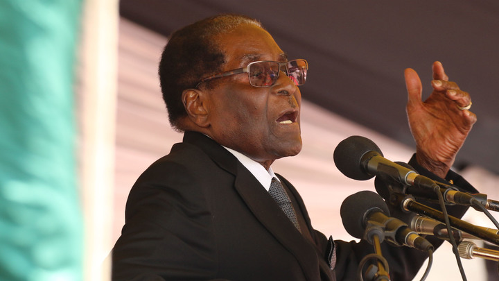 Президент под арестом, люди на улицах: В Зимбабве прошла акция в поддержку отставки Мугабе