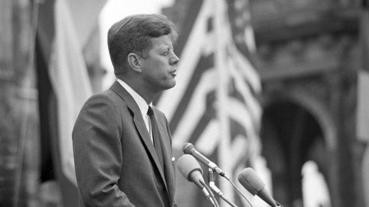 Выгодная правда: Кеннеди собирался стереть СССР с лица земли