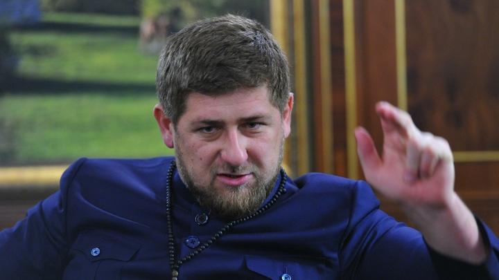 Кадыров получил золотую медаль за вклад в развитие здравоохранения Чечни