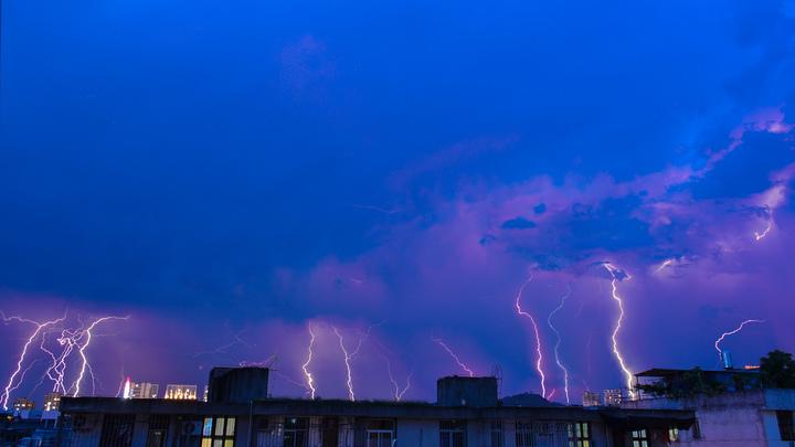 Японские ученые выяснили, что внутри молний