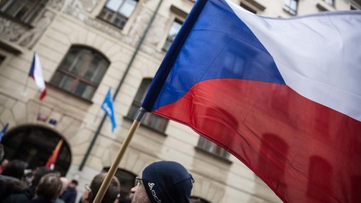 Москва надеется на быстрый поиск вандалов, осквернивших памятник освободителю Праги