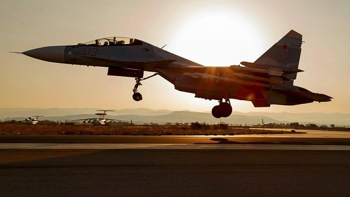 ВКС России засекли и перехватили американский самолет над Черным морем