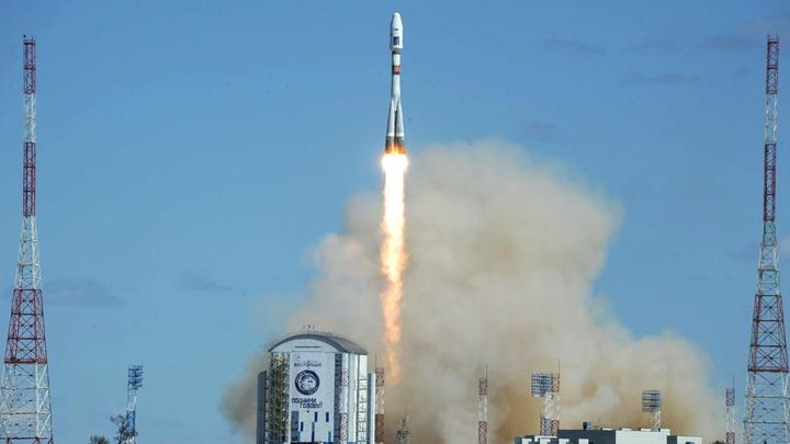 Второй старт на Восточном: Ракета Союз вывела на орбиту 19 спутников