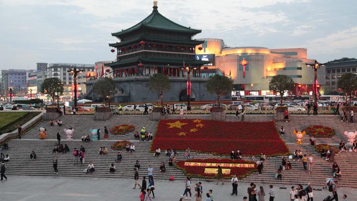 Дураки и дороги: Китаец попался на попытке самовольно изменить дорожную разметку