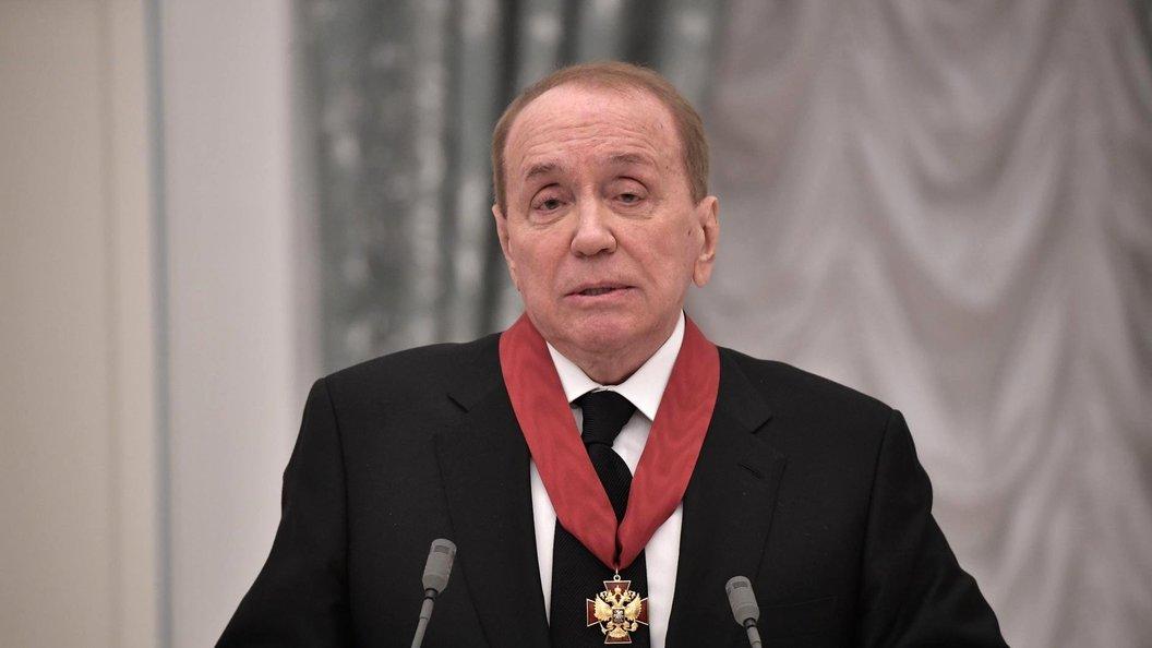 Александр Масляков останется ведущим КВН