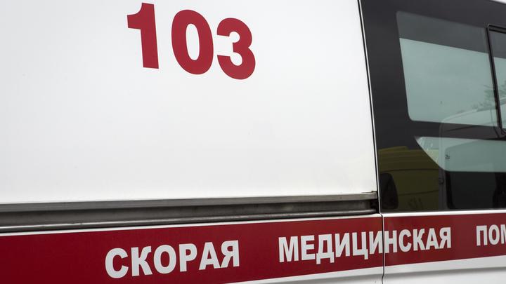 В Крыму автомобиль врезался в группу подростков