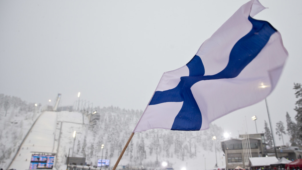 Российская Федерация  и другие государства  подарят Финляндии огромный  национальный флаг
